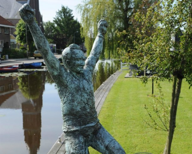Joop Zoetemelk statue