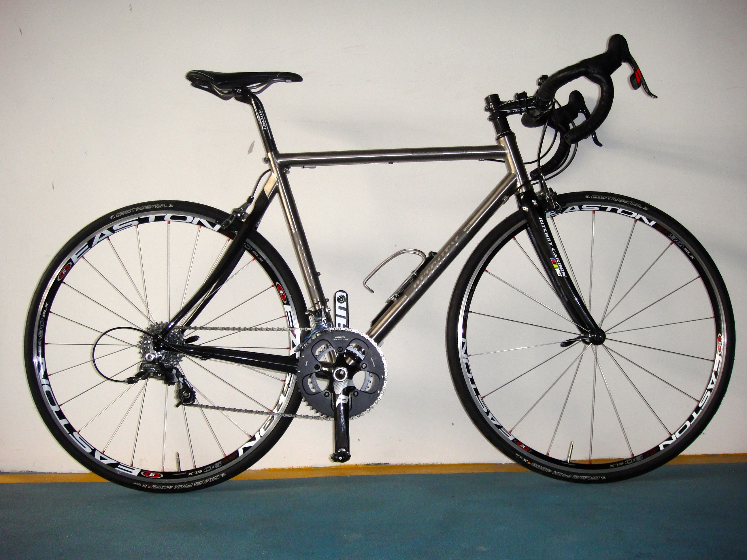 Ritchey Break-Away Road Ti / Carbon Review | Old Roots, New Routes