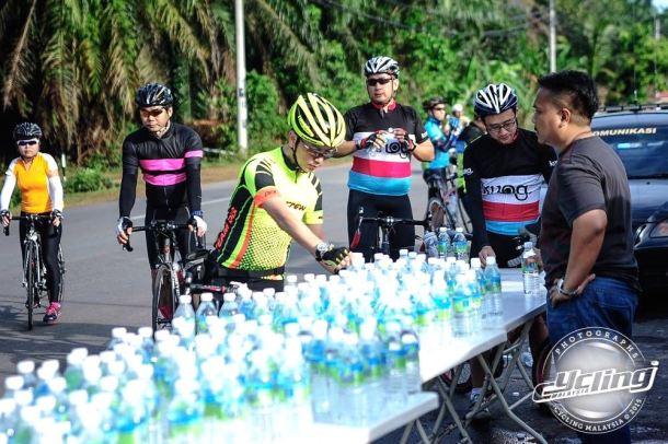 Kedah Century Ride 2015 Water Stop Cycling Malaysia