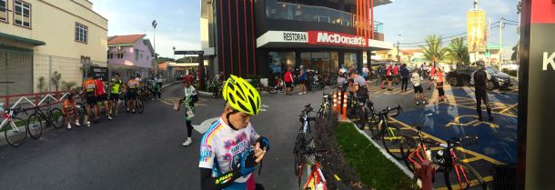 Audax BRM 200 Malaysia 2016 1st Checkpoint Liew Jho