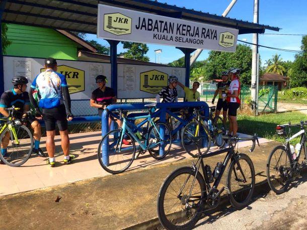 Big Box Shade Kampung Kuantan Marco