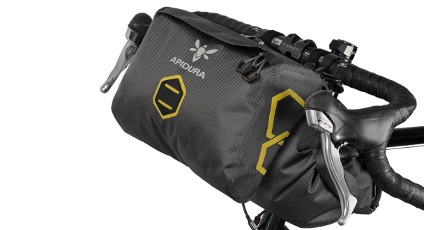 apidura-accessory-pocket_dry_perspective_on_bike-1