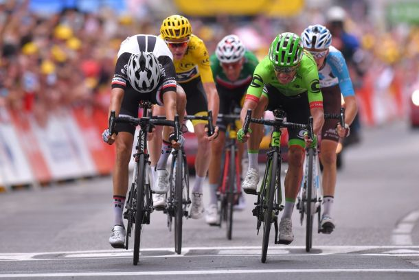 TdF Finish velonews
