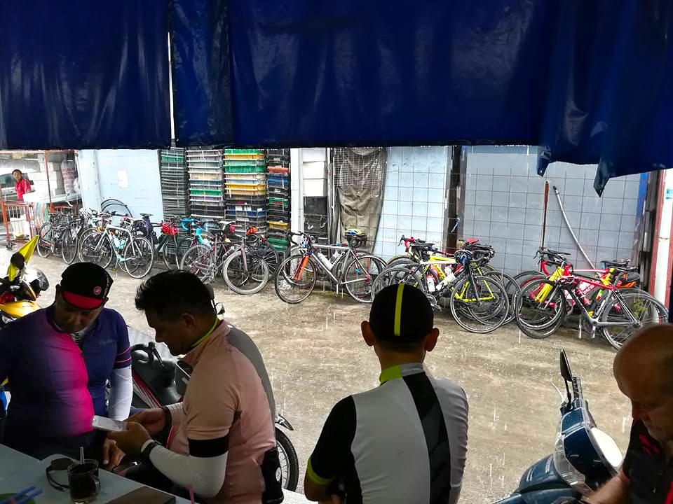 Saturday PM Sin Yong Wah Coffee Shop Rain 2